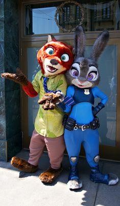 Disneyland Characters // Nick Wilde and Judy Hopps at Disneyland // Disney California Adventure // DCA Zootopia