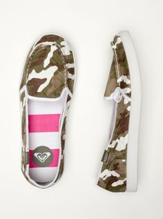I love camo!  And I've never had Camo shoes!!!  I NEED these!