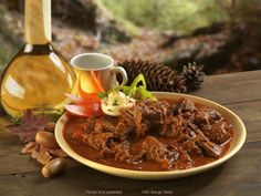 Vörösboros vadpörkölt Favorite Recipes, Beef, Meals, Dishes, Cooking, Food, Red Peppers, Meat, Kitchen