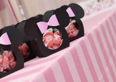 Encontrando Ideias Minie Mouse Party, Minnie Mouse Clubhouse, Minnie Mouse Pink, Birthday Favors, Baby Birthday, 1st Birthday Parties, Mickey Party, Mickey Mouse Birthday, Minnie Mouse Decorations