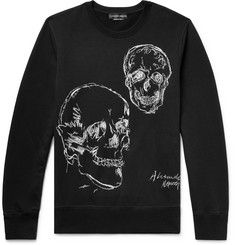 There's nothing more Alexander McQueen than the skull and this sweatshirt showcases the brand signature particularly well. It's been made in Italy from mid-weight loopback cotton-jersey and crisply embroidered with contrasting white threads. Mens Designer Hoodies, Designer Clothes For Men, Fashion News, Mens Fashion, Mr Porter, White Embroidery, Mens Sweatshirts, Alexander Mcqueen, Graphic Sweatshirt