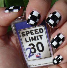 Nail art a scacchi Checkered Nails, Checkered Flag, Nascar Nails, Long Red Hair, Dark Hair, Brown Hair, Chelsea Houska Hair, Flag Nails, Country Nails