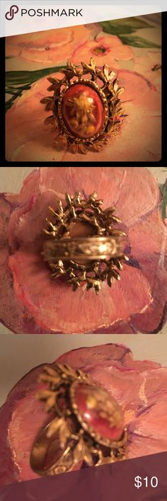 Vintage statement ring Beautiful vintage statement ring.  The band is adjustable. Jewelry Rings