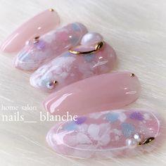 バレンタインにも春に向けてでも❤︎ #nails #nailart #nailswag #nailswag #nails #nail #footnail #newnail #gelnail... ネイルデザインを探すならネイル数No.1のネイルブック