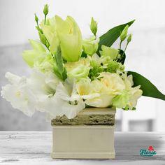 Frumusete regala Table Decorations, Flowers, Home Decor, Shelf, Homemade Home Decor, Royal Icing Flowers, Flower, Decoration Home, Florals