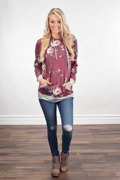 A fun lightweight hoodie with floral & ivory body. True to size. For a more oversized fit order up a size. Arm Length ~ Small-18 Medium-18 Large-18.5 Model is 5'5'' a size 1 wearing a small. Material: