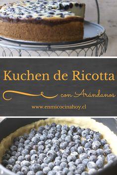 El kuchen de ricota y arándanos es de mis favoritos, solíamos comprarlo en la dulcería Frutillar, ahora no queda más que hacerlo en casa.