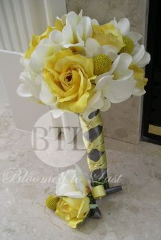 Yellow White and Gray Wedding BOUQUET... Wedding ideas for brides, grooms, parents & planners ... https://itunes.apple.com/us/app/the-gold-wedding-planner/id498112599?ls=1=8 … plus how to organise an entire wedding, without overspending ♥ The Gold Wedding Planner iPhone App ♥