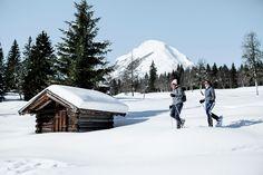 Eine entspannte Schneeschuhwanderung in der atemberaubenden Natur der Olympiaregion Seefeld. http://www.seefeld.com/weitere-themen/schneeschuhwandern