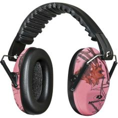 Mossy Oak Hunting Accessories Lula Womens Shooting MO-LSM Ear Muff NRR Rating Clear: Mossy Oak Lula Women's Shooting Muffs are compact, easy folding shooting muffs. Ear Protection, Hearing Protection, Country Girl Style, Country Girls, Pink Guns, Women's Shooting, Shooting Sports, Pink Mossy Oak, Shooting Accessories