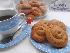 Κουλουράκια με μήλο και κανέλα Greek Sweets, Greek Desserts, Greek Recipes, Greek Cake, Brownie Recipes, Biscuits, Cookies, Favorite Recipes, Snacks