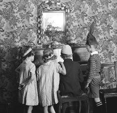 Children's Christmas Party, London (1932) by EO Hoppé