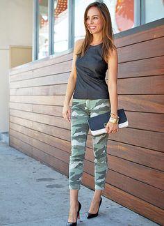 黒タンクトップ×迷彩柄パンツでかっこいいタンクトップコーデ♪参考にしたいスタイル・ファッションまとめ☆
