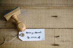 Sellos personalizados para tu Boda. ¿Te casas y quieres tu propio sello personalizado?  Si te casas, usa un sello personalizado con vuestros nombres para personalizar las invitaciones de boda, los detalles para vuestros invitados, los meseros, las bolsitas de confeti... Todo lo que quieras y necesites. http://ladyselva.bigcartel.com/product/sello-personalizado