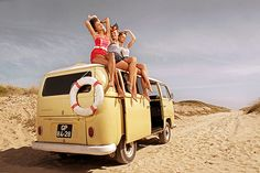 VW Bus # classic pin-up girls # sexy # ♠. X Bros Apparel Vintage Motor T-shirts, Volkswagen Beetle & Bus T-shirts, Great price… ♠ Volkswagen Transporter, Vw Bus, Volkswagen Vintage, Vw Vintage, Mode Vintage, Vintage Swim, Vintage Vibes, Vintage Travel, Vw Volkswagen
