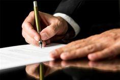 اجاره از جمله عقود معوض و تملیکی است که به لحاظ اهمیت و نقشی که در روابط اجتماعی دارد، مورد توجه قانونگذاران قرار گرفته است. اجاره نامه به سند نوشتاری قرارداد اجاره گفته میشود که …