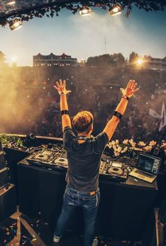 Next to famous painters we also have alot of famous dj's. Armin van Buuren, world wide known.