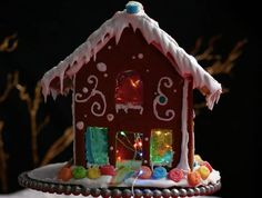 11 Borderline Genius Tips For Making A Gingerbread House Christmas Desserts, Christmas Treats, Christmas Baking, Christmas Time, Christmas Decor, Christmas Calendar, Italian Christmas, Holiday Baking, Christmas Traditions