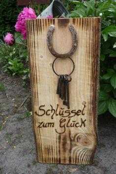 Schlüssel zum Glück  Ein Geschenk zur Hochzeit, zum Einzug. für den Ruhestand....  Annegret Lindhorst bei DaWanda.com