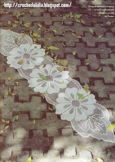 Caminho de mesa em crochê filê - gráfico