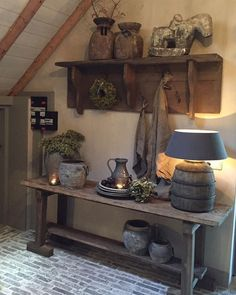 Looking to transform your home into a rustic retreat? Take a look at our farmhouse-inspired rustic home decor ideas. Country Decor, Rustic Decor, Farmhouse Decor, Deco Champetre, Interior Decorating, Interior Design, Rustic Interiors, Rustic Design, Home And Living