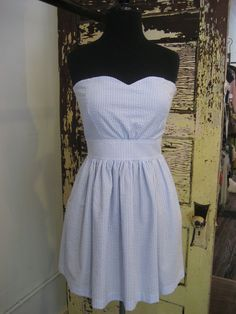 I love the southern seer sucker! Adrette Outfits, Preppy Outfits, Preppy Fashion, Womens Fashion, Preppy Mode, Cute Dresses, Summer Dresses, Seersucker Dress, Prep Style