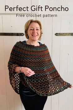 Poncho Crochet Pattern - Free Crochet Pattern By Wilmade - Diy Crafts - hadido Diy Crochet Sweater, Crochet Scarves, Crochet Shawl, Crochet Clothes, Easy Crochet, Beginner Crochet, Crochet Patterns For Beginners, Sewing Patterns Free, Knitting Patterns