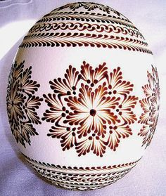 Egg Crafts, Easter Crafts, Polish Easter, Egg Shell Art, Polish Folk Art, Carved Eggs, Easter Egg Designs, Ukrainian Easter Eggs, Easter Traditions