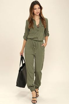 Function and fashion become one with the Sensible Solution Olive Green Jumpsuit! This woven jumpsuit has a collared neckline, three-quarter sleeves with button tabs, and a partial button placket framed by flap pockets. Drawstring waist gives way to r Black Sequin Jumpsuit, Jumpsuit Casual, Olive Jumpsuit, Jumpsuit With Sleeves, Jumpsuit Outfit, Elegant Jumpsuit, Petite Jumpsuit, Satin Jumpsuit, Safari Look