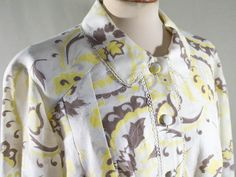 1960s floral dress / shirtdress yellow white brown / sixties fashion dress / sartorial dress made in Italy by MyLoftVintage on Etsy