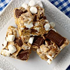 S'mores Krispie Treats   by Renee's Kitchen Adventures - easy dessert or snack recipe for krispie treats with traditional s'mores flavor.  Perfect for summer!