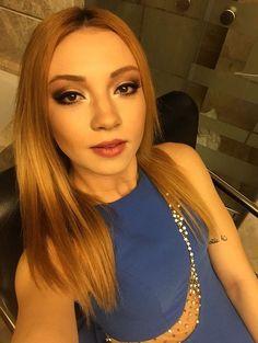 Bu kız ülkenin güzelliğini karşılıyor olabilir öcmdns Celebrities, Hot, Beauty Girls, Singers, Characters, Women, Google, Fashion, Faces