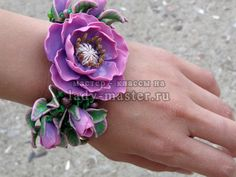 Flower, leaf, buds - all shown in heavy content master class.  Translate. #Polymer #Clay #Tutorials