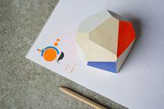 Fermacarte in abete tagliato e dipinto a mano di Wood&cut su Etsy