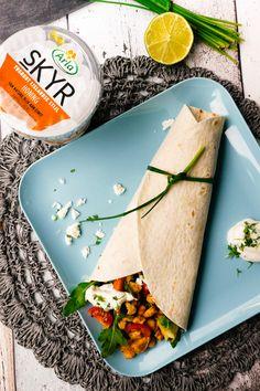 Wraps mit Hähnchen, Avocado und Skyr-Dressing