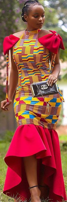 traditional african fashion which looks great African Fashion Ankara, Ghanaian Fashion, African Print Fashion, Africa Fashion, Nigerian Fashion, African Dresses For Women, African Attire, African Wear, African Women