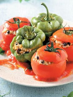 21150616_01924_me-ryzi-kai-traxana Greek Dinners, Stuffed Peppers, Vegan, Fruit, Vegetables, Recipes, Yoga Pants, Kai, Food