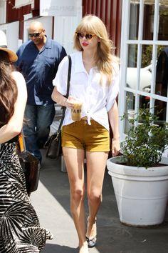 Taylor Swift wearing Joe's Jeans shorts in Tapenade.