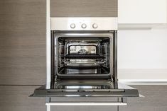 How to Clean Your Oven | Reader's Digest Natural Oven Cleaning, Deep Cleaning, Natural Cleaning Products, Grease Remover, Kitchen Exhaust, Self Cleaning Ovens, Oven Cleaner, Oven Canning, Like A Pro