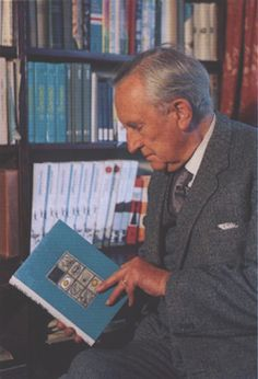 """A commentary on how Tolkien has """"ruined"""" modern fantasy for the author! Catholic Gentleman, English Writers, Jrr Tolkien, Tolkien Books, Writers And Poets, Jazz, Middle Earth, Lord Of The Rings, The Hobbit"""