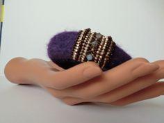 Armreif Filz & Perle violett & braun