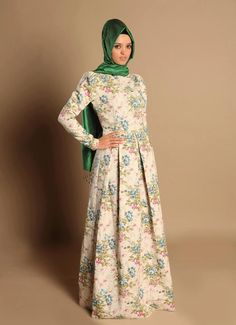 Adore, but I would probably change up the hijab thoughh Islamic Fashion, Muslim Fashion, Modest Fashion, Hijab Fashion, Unique Fashion, Batik Dress, Blouse Dress, Dress Up, Nude Dress