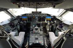 Boeing 787 cockpit. Wow.