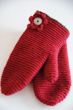 mittens--free pattern done with a chunky yarn-could finish these easily in time for holiday gifting