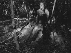 """Apesar de já ter exposto no Museu de Arte Moderna e no Centro Internacional de Fotografia, além de ser o fundador e diretor do programa de fotografia da Universidade Columbia, Thomas Roma nunca teve uma exposição solo numa galeria de Nova York. Mas isso muda agora graças à abertura, na Steven Kasher Gallery, de In...<br /><a class=""""more-link"""" href=""""https://catracalivre.com.br/geral/fotografia/indicacao/lindas-fotos-de-thomas-roma-de-um-parque-de-cruising-gay-no-brooklyn/"""">Continue lendo…"""