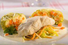 Gedünstetes Seelachsfilet in Weißweinsauce mit Wirsingbällchen