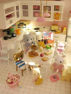 Kids having breakfast by Jemppu M, via Flickr