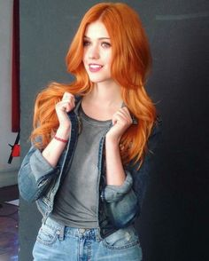 mooi rood is niet lelijk ♥ Red hair - Katherine McNamara Beautiful Red Hair, Gorgeous Redhead, Katherine Mcnamara, Red Heads Women, Red Hair Woman, Ginger Girls, Hottest Redheads, Redhead Girl, Strawberry Blonde