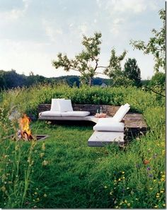 Outdoor Garden Seating Beautiful Ideas For 2019 Cheap Outdoor Fire Pit, Fire Pit Backyard, Rustic Outdoor, Outdoor Decor, Outdoor Seating Areas, Garden Seating, Outdoor Spaces, Outdoor Living, Backyard Seating