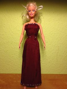 Weinrotes Kleid für Barbie :D